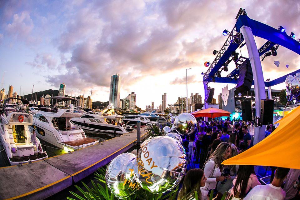 Marina Itajaí tem reservas e programação especial para o carnaval